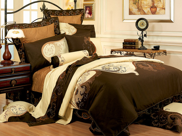 Постельное бельё: какие ткани и принты популярны?